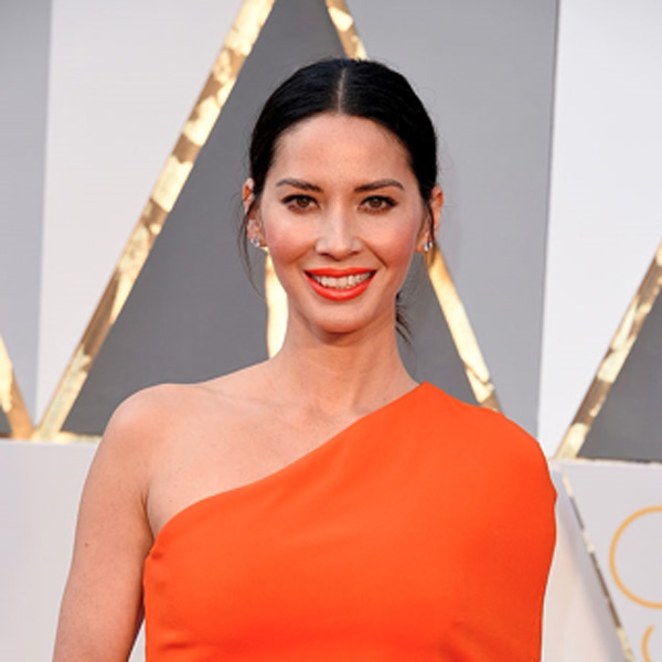 Olivia Munn's Face at Oscars 2016
